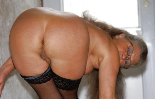 Jolie MILF pour baise avec anal 013